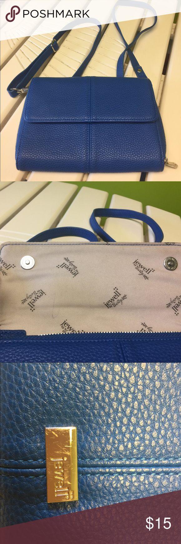 Thirty One Crossbody bag! Royal💙💙💙💙💙💙💙 thirty One Bags Crossbody Bags