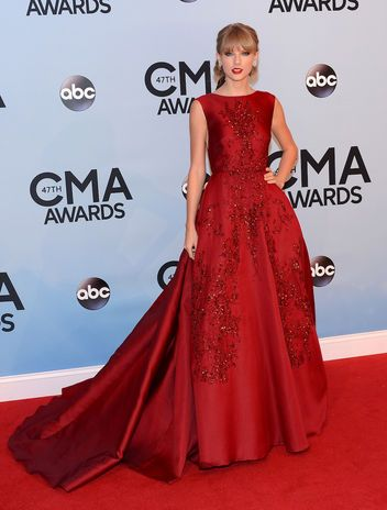 Taylor Swift in stunning Elie Saab at the CMAs