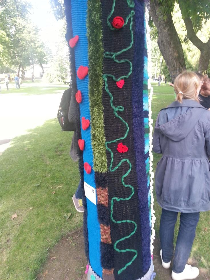 Knit & Tag - art by Mrs. Ritva Raesmaa.