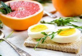 If you love waking up in the morning to a hot plate of bacon and eggs, a diet that incorporates your favorite breakfast items may seem like an enjoyable way to lose weight. The Bacon, Eggs and Grapefruit Diet, also known simply as the Grapefruit Diet, includes bacon, eggs and half a grapefruit every morning. The diet may help you lose weight, but...