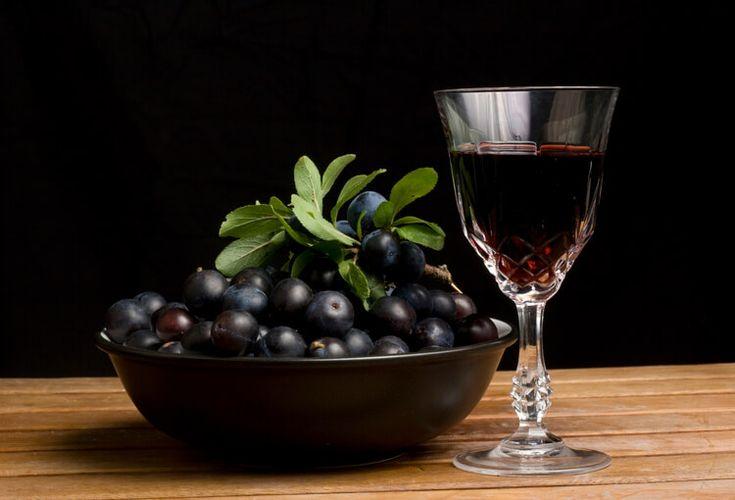 """Интересные рецепты терновых настоек – на спирте, водке, самогоне, а также – старинный рецепт терновой настойки """"Пачаран"""""""