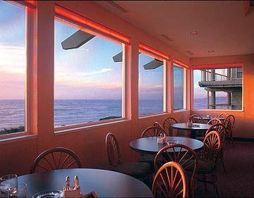 Restaurants Newport Oregon Seafood American Best Top Rated Georgie S Beachside Grill The Hallmark Inn Travel Pacific Northwest Places Pinterest