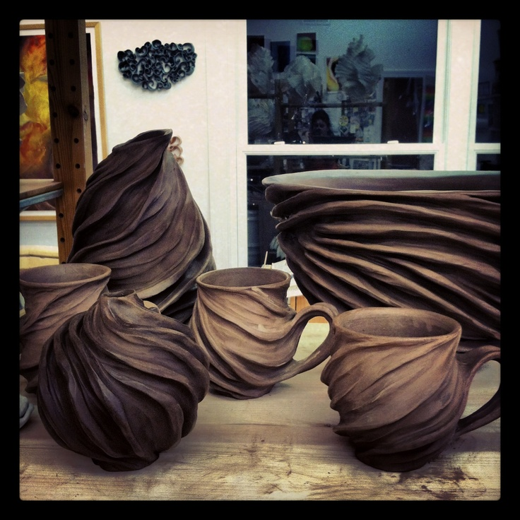 Chocolate brown stoneware in the house !