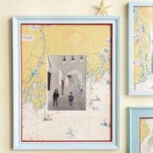 SWEET HOME  Wieso nicht  Ferienfotos stilvoll rahmen?  Schneiden Sie aus Landkarten Ihres Ferienortes ein Passepartout aus, das in die gewünschten Rahmen passt. Kleben Sie die Ferienbilder unter das Passepartout und rahmen Sie alles ein. Streichen Sie die Rahmen in einem sanften Meerblau oder einer anderen passenden Farbe.