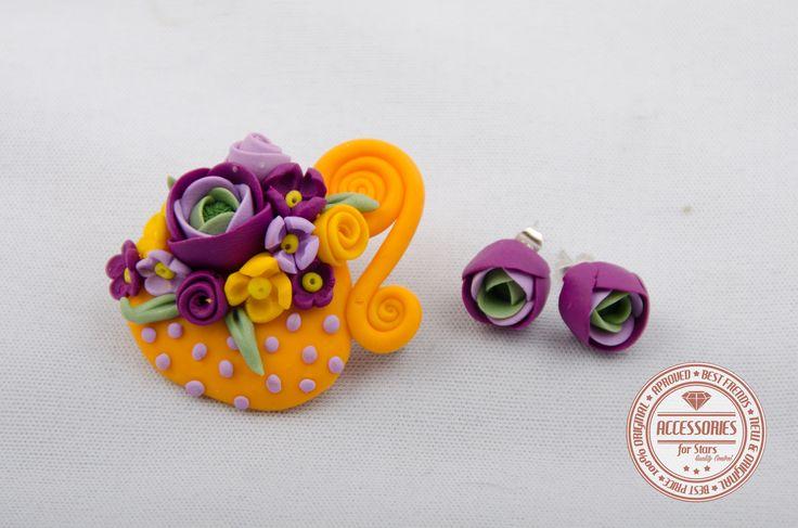 http://accessoriesforstars.blogspot.ro/2015/01/set-orange-cup-of-tea.html #cupoftea #cup #tea #purple #yellow #flowers #ranunculus #brooches #earrings #sets #accessoriesforstars #vintage #doods #little #powderpurple #vintagepurple