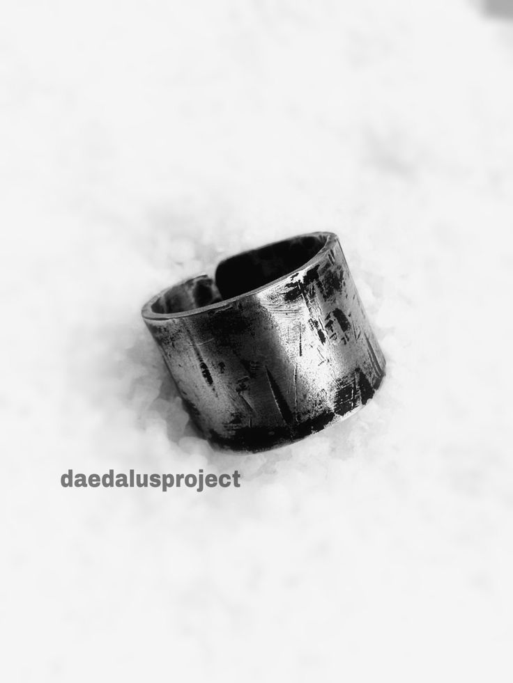 anello uomo.stile industriale.ring band man.anello handmade.male ring.silvered di daedalusproject su Etsy