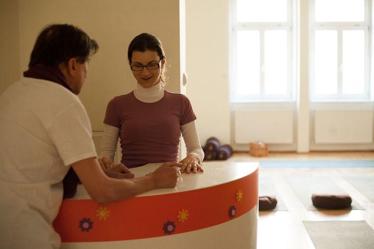 Recepció www.eljharmoniaba...  Élj harmóniában Jógastúdió jóga | meditáció | masszázs | életmód  Budapest VI. kerület Benczúr u. 12.  #kezdőjóga #hathajóga #jógatanfolyam #jóga #jógabudapest #meditáció #meditációstanfolyam  #jógastúdió #yogabudapest #yogabudapest  #eljharmoniaban Kezdő jóga tanfolyam, haladó jógatanfolyam, meditációs tanfolyam, hatha jóga, jóga budapest