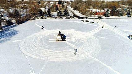 devinsupertramp : Track Hoe Snowboarding In 4K! #snowman #ski #snowsports #extremesport #gifivideo