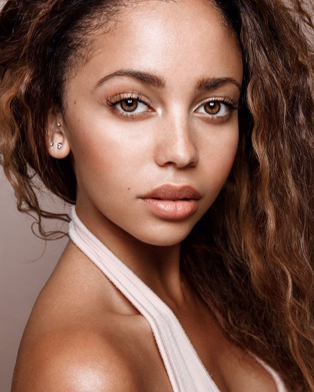 Vanessa Morgan @caitlinfisherphoto