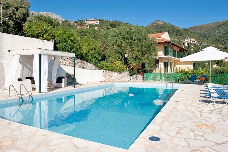 Description: Groteluxe vakantievilla op Corfu met privé zwembad en ruimte voor wel 16 personen.  Grote villa met privé zwembad perfect voor een groot gezelschap tot 16 personen Villa Andonis is de perfecte stek voor een groot gezelschap op zoek naar een mooie plek metveel privacy en comfort. In Villa Andonis zijn 5 slaapkamers en 5 badkamers.Zijn julliemet meer dan 10 personen? Dan is er een extra appartement en/of studioen kun je er tot16 personen verblijven. In de buurt vind je…