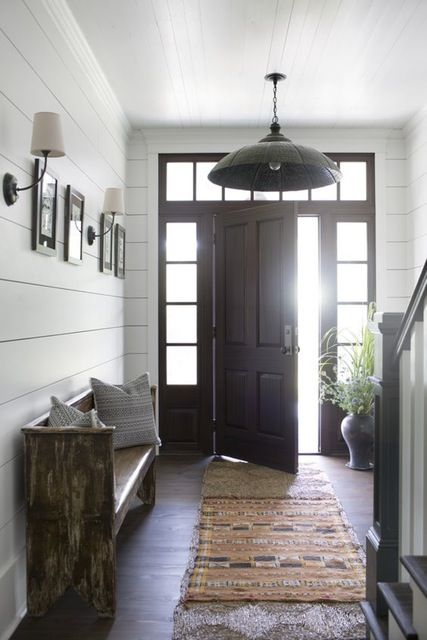 25 best ideas about cottage entryway on pinterest front for Idee moderne di mudroom