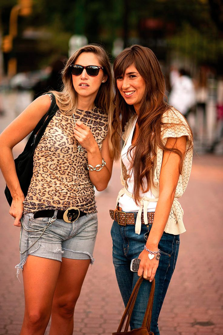 Street style de Argentina; I'm pretty used to this style, similar to how we dress in Miami :)