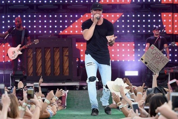 Sam Hunt Shares Plans for 2017 15 in a 30 Tour