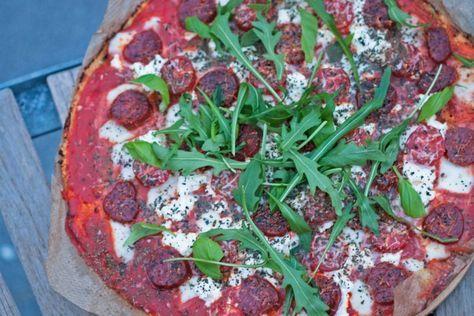 Paleo Bloemkoolkorst pizza