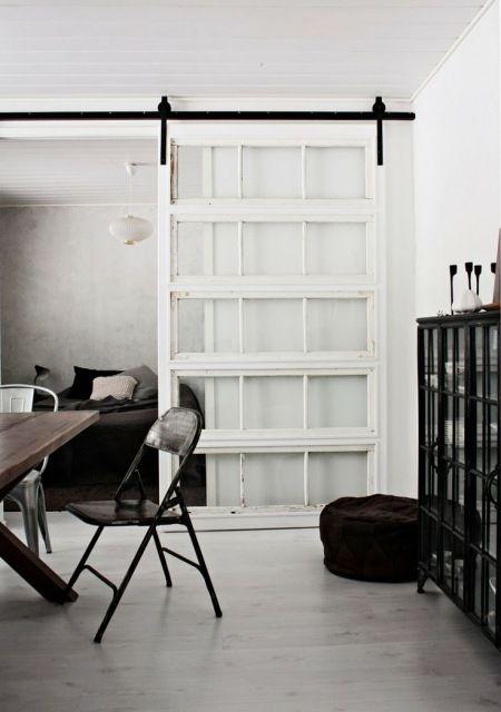 białe drzwi przesuwne przeszklone w stylu vintage - Lovingit.pl