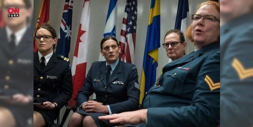 ABD ordusu transseksüel askerlerin kimliğini tanıyacak : ABD ordusu transseksüel askerleri resmen tanımaya hazırlanıyor. Pentagonun uygulamaya koyduğu yeni programa göre muvazzaflar arasında 7 bin yedekler arasında 4 bin olduğu düşünülen transseksüel askerlerin belgeleri cinsiyet kimliklerine göre düzenlenecek hizmetlerden eşit şekilde yararlanacaklar ve birlikler buna göre düzenlenecek. Ordu yetkilileri sürecin hızlı ilerlemesinden endişeli ancak komuta kademesindeki personelin yeni durumla…