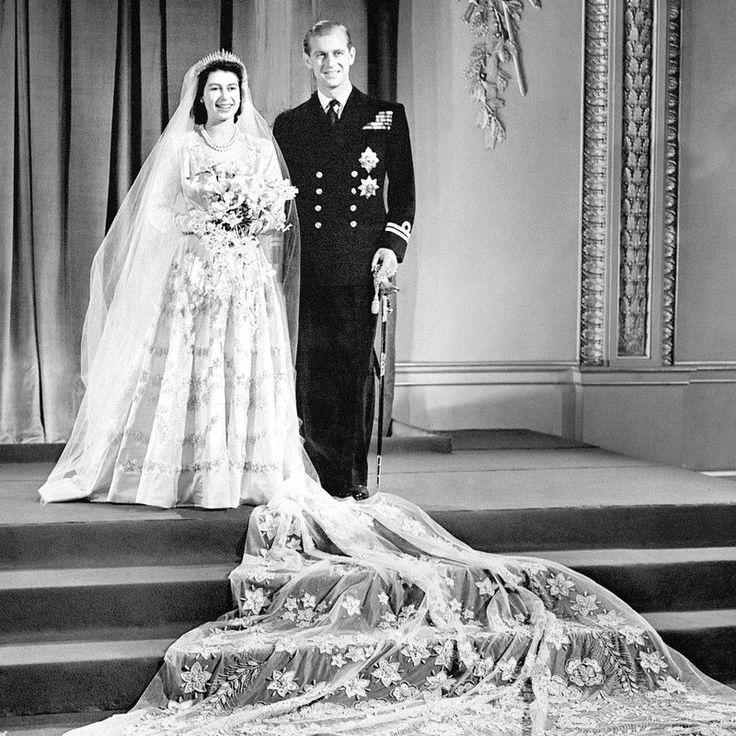Słynne suknie ślubne gwiazd, Królowa Elżbieta II, 1947 rok
