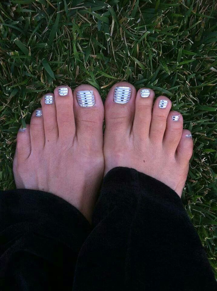Jamberry Pedicure Get the look at http://www.deniseg.jamberrynails.net/