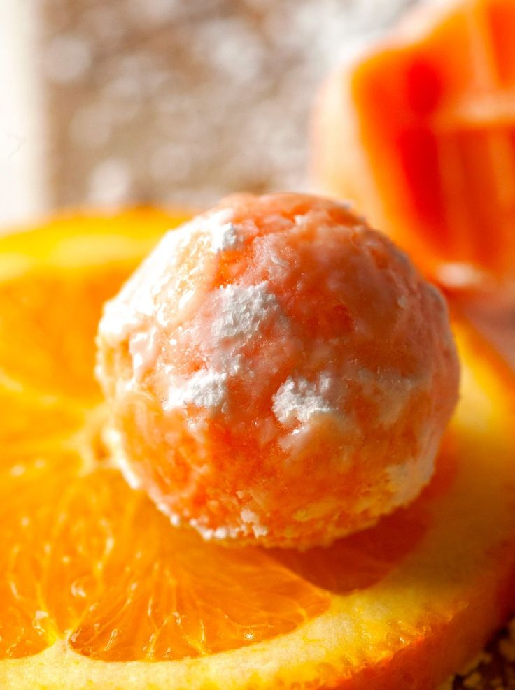 Melt in Your Mouth Orange Creamsicle Truffles by Deliciously Yum!
