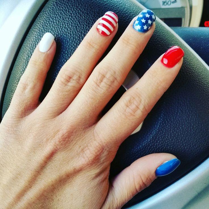 American nails! #americannails #usa #usaflag  #nailart #nails #unghiemania #unghiegel #pazzeperleunghie