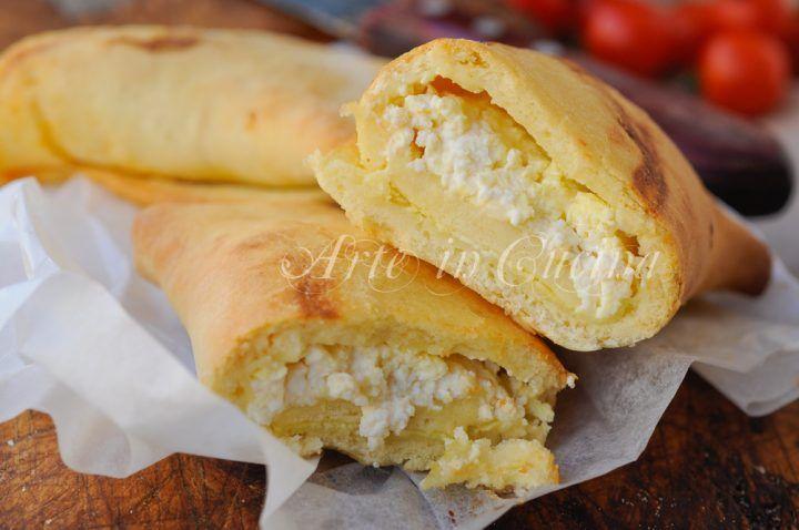 Scacce alla ricotta ricetta siciliana facile e veloce, piatto unico perfetto anche da asporto, idea per il sabato, finger food sfizioso, idea per feste e buffet