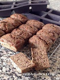 Savner du rugbrød, fordi du spiser kulhydratfattig mad, har du cøliaki eller diabetes, så er løsningen at bage sit eget brød uden mel og sukker. Ovenikøbet er det hurtigt at lave, smager skønt og er perfekt til brunch, madpakken, påskefrokostens sild og karrysalat. Med skolebrødsformene fra Lékué er du sikret et flot resultat. Bageren kunne ikke have gjort det bedre! CDJetteDCs ønsker god påske til læsere af bloggen.