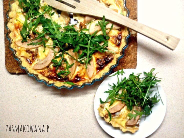 Tarta z gruszką i serem pleśniowym http://www.zasmakowana.pl/tarta-z-gruszka-serem-plesniowym/