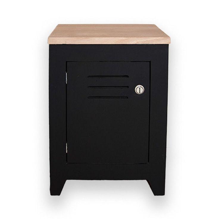 """Voor op je slaapkamer is dit houten """"locker"""" nachtkastje de uitkomst! Gemaakt van mat zwart hout en eiken houten boven blad.Het deurtje heeft een porseleinen knop met de cijfers 1 of 2.Bij bestellingen van 2 nachtkastjes, leveren wij 1 links en 1 rechts draaiend."""