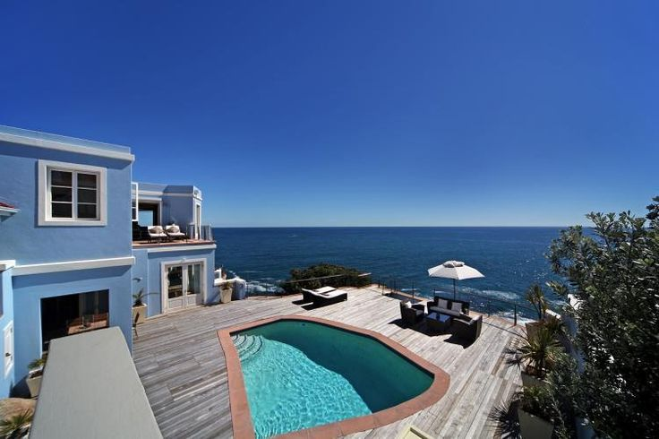 Victoria 63 BB  In Kloof Road Bantry Bay overlooking the vast ocean, this Aquarias like villa offers a home away from home with massive rooms.