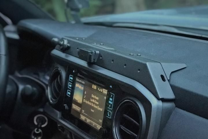 Toyota Tacoma 3rd Gen Usb Powered Accessory Mount 3tpam