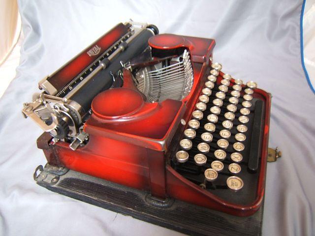 Vintage Royal Portable Typewriter Part - 36: Vintage 1930s Maroon Red With Black Royal Portable Typewriter With Case