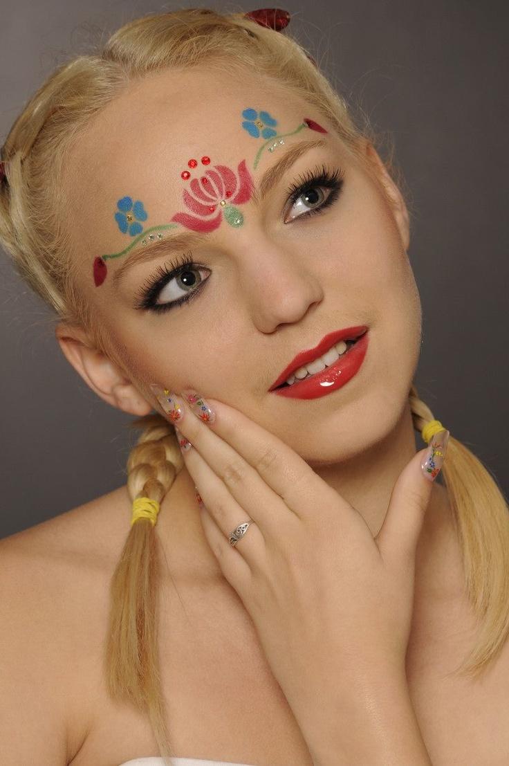 Makeup, nails: Agnes Hlatky,  Modell: Zita Horvath,  Photo: Andras Nemeth