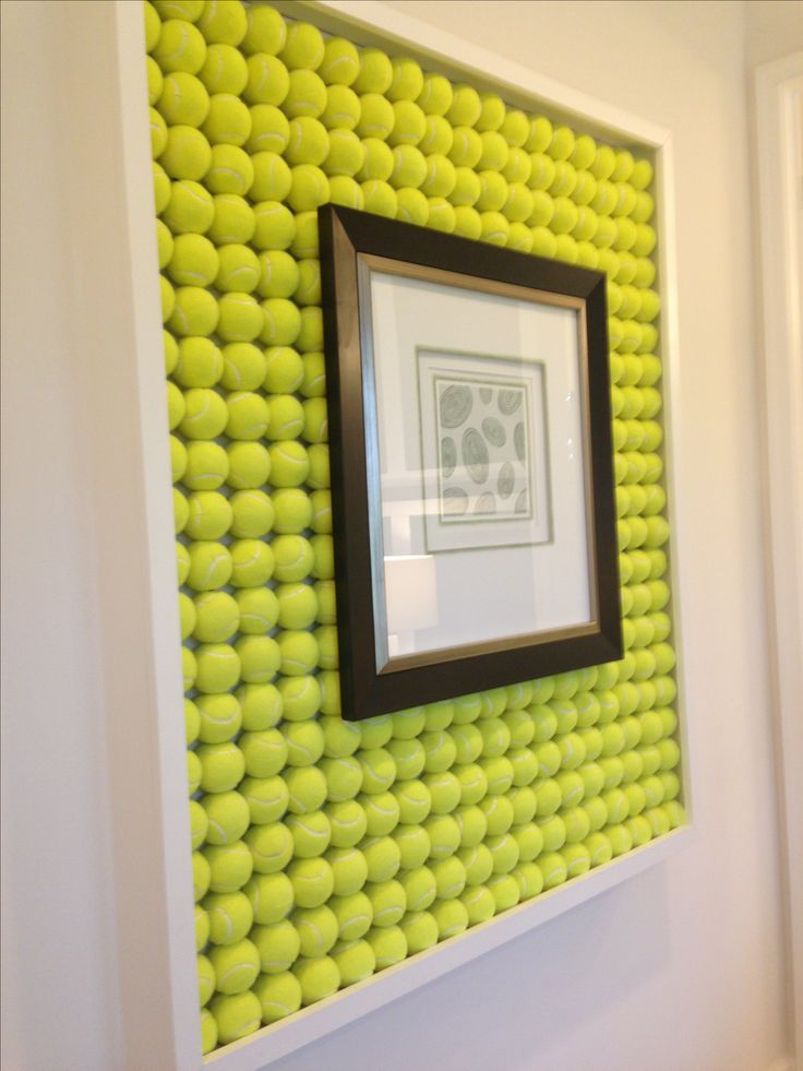 DIY picture frame made of tenis balls
