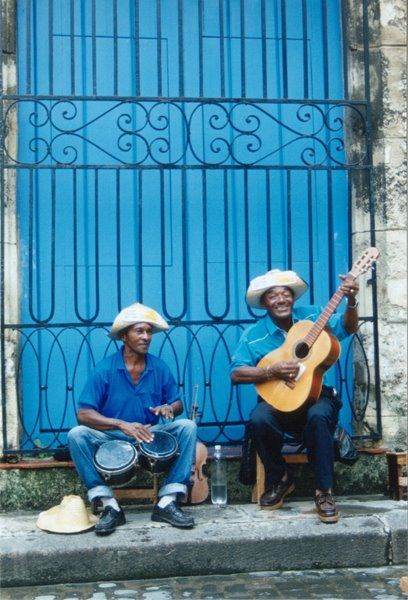 """COLOR PALETTE-Image detail for -... Photo Roulette 35: """"Blue"""" – Street Musicians in Havana, Cuba"""
