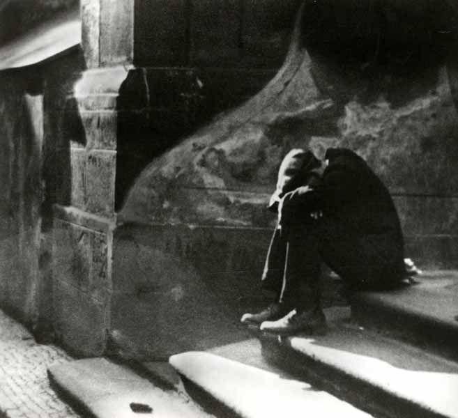 Jaromir Funke   Le sommeil incommode, circa 1922.