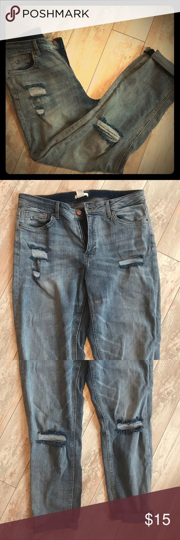 H&M Women Ripped Baggy Jeans Adorable women baggy jeans, distressed with rips. Great paired with a tank and sandals. Super stretchy material. Great jeans for any body type! Worn a few times, great quality. H&M Jeans Boyfriend