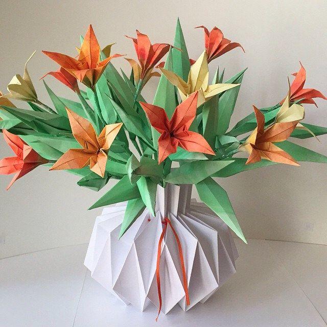 3b2515979164a7666ec49af028189232  paper vase origami flowers