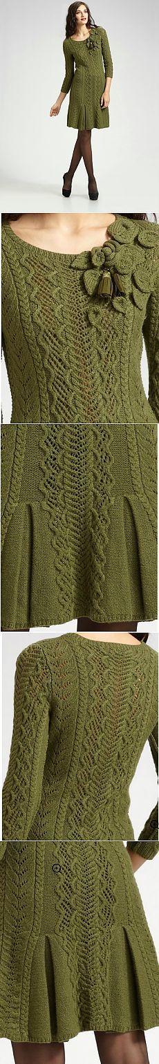 Оливковое платье от Оскара.