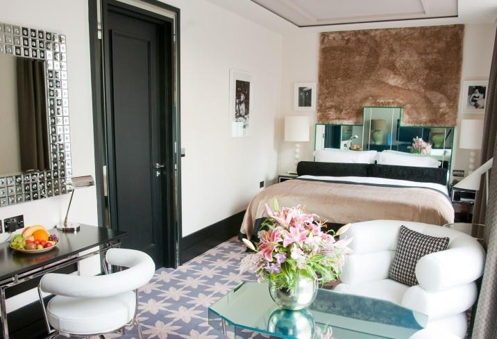 Mr & Mrs Smith - Deco Room