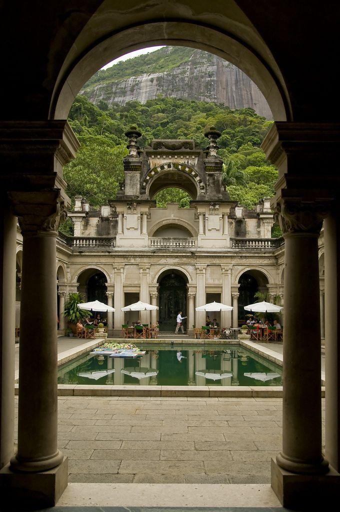 """Parque Lage, Rio de Janeiro, lugar onde se aprende """"ARTES PLÁSTICAS"""" e a natureza domina., thanx to Brittany Zambo."""