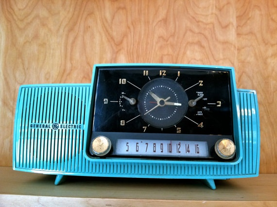 General Electric Model C 417 Clock Radio In Turquoise