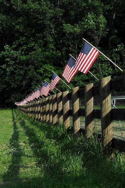 flag fence !