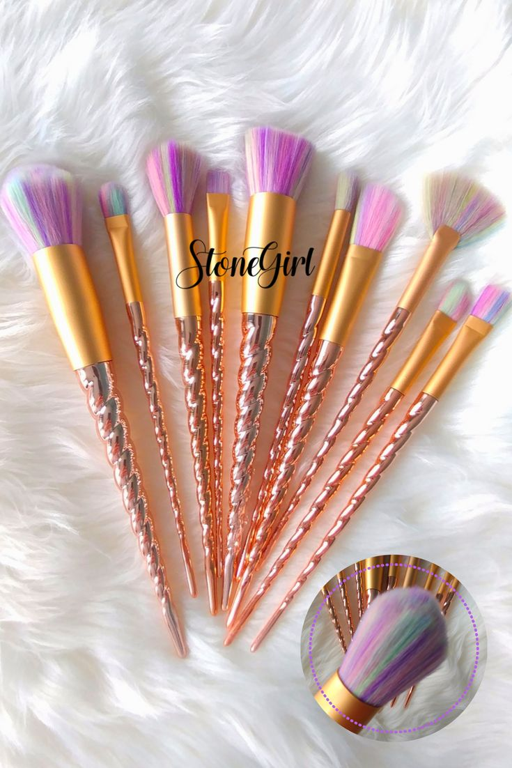 PRE RELEASE! Ships in 3-4 weeks FREE SHIPPING ON 2 OR MORE ORDERS Get ready for these unicorn inspired makeup brush set! This mythical 10 piece set features golden horn handles and soft multi colored