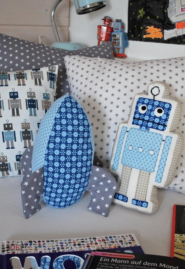 gorgeous boys' pillows robot rocket - mamas kram