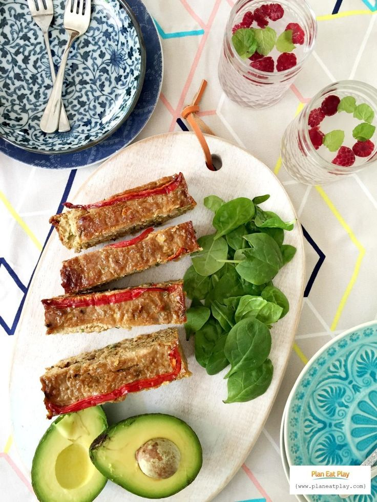 Freezer Friendly Chicken and Quinoa Meatloaf Recipe http://www.planeatplay.com/chicken-and-quinoa-meatloaf-recipe/?utm_campaign=coschedule&utm_source=pinterest&utm_medium=Plan%20Eat%20Play&utm_content=Freezer%20Friendly%20Chicken%20and%20Quinoa%20Meatloaf%20Recipe If you're after a healthy, freezer friendly, filling dinner, then this one's for you.  I always make double, slice it up into portions and freeze for lunches.