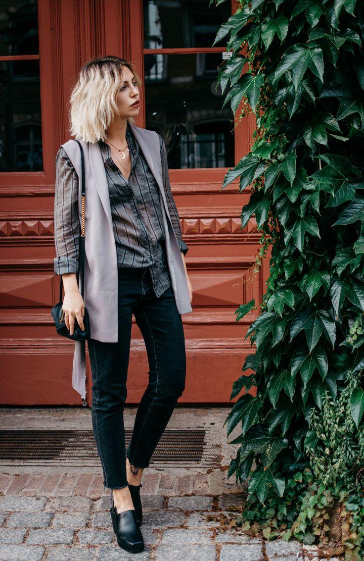 Wochenrückblick #31 | Fashion Blog from Germany / Modeblog aus Deutschland, Berlin. Striped shirt+light taupe vest+black jeans+black clogs+black shoulder bag. Fall  outfit 2016