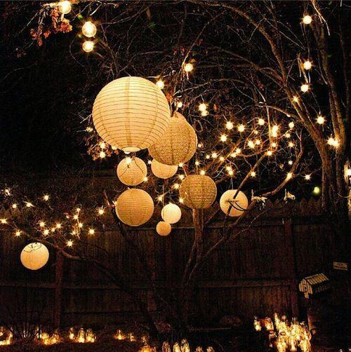 25 unieke idee n over tuinfeest verlichting op pinterest achtertuin feest decoraties college - Outdoor decoratie ideeen ...