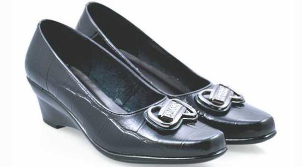 Harga Sepatu Wanita| Sepatu Kerja|Sepatu Pantofel Wanita 085697680786 KB 4JS 551