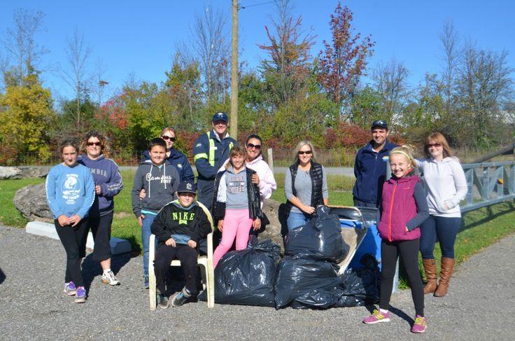 Niagara Falls Fall 2016 Community Clean Sweep Day | Hornblower Niagara Cruises