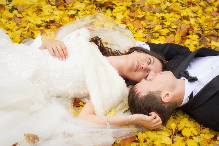 Magda i Adam fotografia ślubna / wedding photography (autumn leaves).
